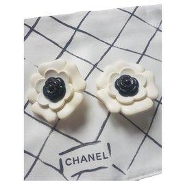 Chanel-Chanel camelia earrings-Black,Eggshell
