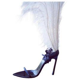 Yves Saint Laurent-talitha model-Black