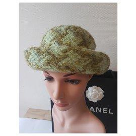 Chanel-Chapeaux-Vert