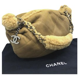 Chanel-Chanel shearling leather shoulder bag-Beige