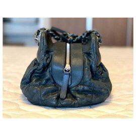 Chanel-Sac à main Chanel en cuir d'agneau noir-Noir