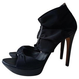 Fendi-Open toe ankle boots with cutouts-Black