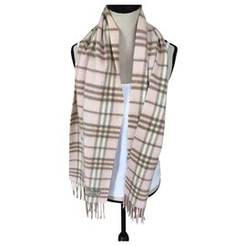 Burberry-Scarf-Pink