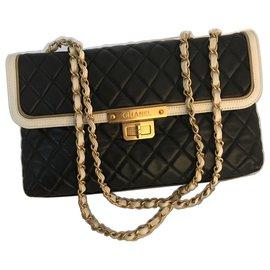 Chanel-à rabat 30 cm édition limitée-Noir