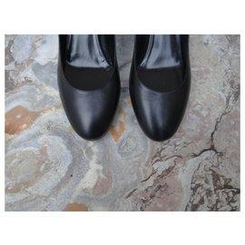 Fendi-Heels-Black