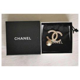 Chanel-Chanel CC pearl brooch-Golden
