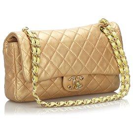 Chanel-Sac à rabat simple en peaux d'or agneau Chanel Gold Medium-Doré
