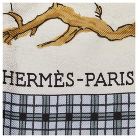 Hermès-Hermes White LHiver En Poste Silk Scarf-White,Multiple colors,Cream