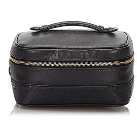 Chanel-Chanel Black Quilted Lambskin Leather Vanity Bag-Black