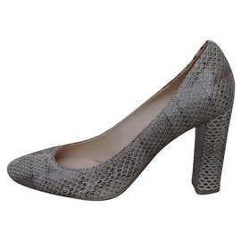 Prada-Heels-Beige