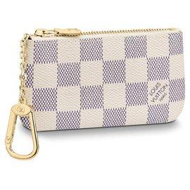 Louis Vuitton-Louis Vuitton key pouch new-Beige