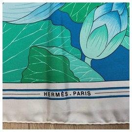 Hermès-Lotus flowers-White