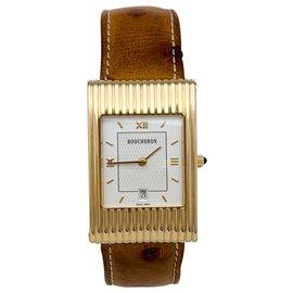 """Boucheron-Montre Boucheron modèle """"Reflet"""" en or jaune sur cuir. Grand modèle.-Autre"""
