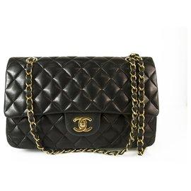 Chanel-CHANEL Kleine Tasche aus schwarzem Lammleder mit klassischem Futter und goldener Hardware-Schwarz