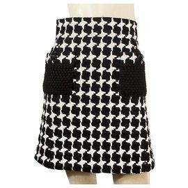 Chanel-Chanel mistura de lã preta e branca 07Uma coleção de tamanho de saia na altura do joelho 36-Preto,Branco