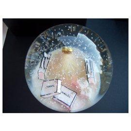 Chanel-chanel boule à neige sapin-Noir