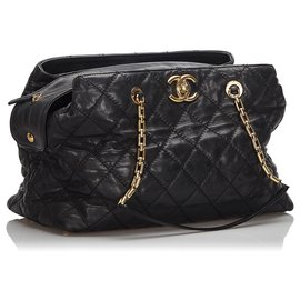 Chanel-Chanel Black CC Quilted Leather Shoulder Bag-Black