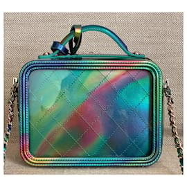 Chanel-Kleine grüne PVC-Kosmetiktasche mit Regenbogen-Lackleder-Grün