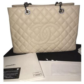 Chanel-Grandshopping-Beige