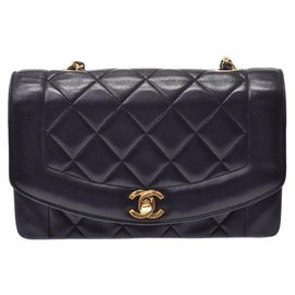 Chanel-Chanel Diana-Black