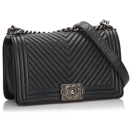 Chanel-Chanel Black Chevron Leather Medium Boy Flap Bag-Black