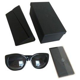 Christian Dior-Des lunettes de soleil-Multicolore