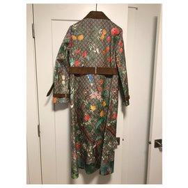 Gucci-Trench-coat Gucci suprême à imprimé tian NWT-Multicolore