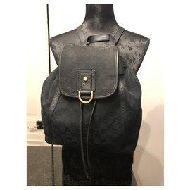 Gucci-vintage-Noir