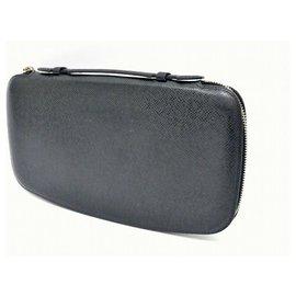 Louis Vuitton-Louis Vuitton Taiga Long Wallet-Black