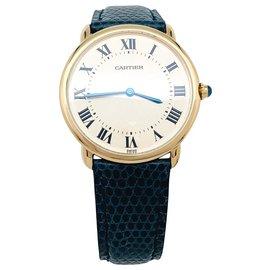 """Cartier-Montre Cartier """"Vendôme"""" en or jaune sur cuir.-Autre"""