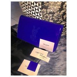 Yves Saint Laurent-Poche-Bleu