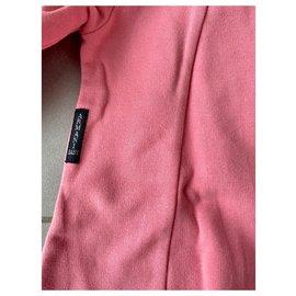 Armani-Robes-Rose
