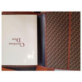 Dior-VIP gifts-Dark brown