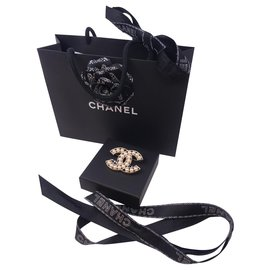 Chanel-Broche avec perles Chanel 2019-Argenté