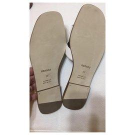 Hermès-Oran sandalwood-White