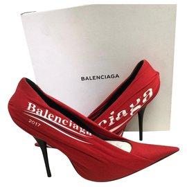 Balenciaga-décolté-Rouge