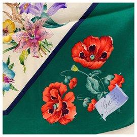 Gucci-Foulard en soie vintage-Multicolore