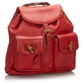 Gucci-Sac à dos en cuir Gucci en bambou rouge avec cordon de serrage-Rouge