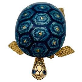 Boucheron-Boucheron turtle brooch yellow gold, enamel and sapphire.-Other