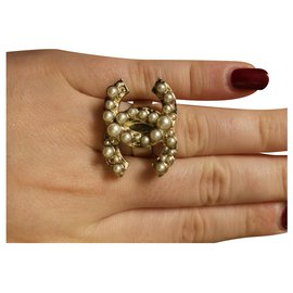 Chanel-Fancy ring lined C chanel-Golden