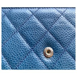 Chanel-Portefeuille CHANEL sur chaine en cuir bleu caviar-Bleu