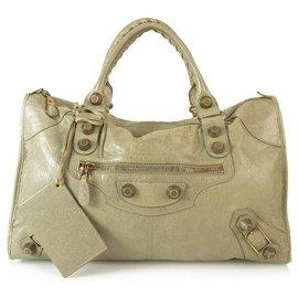 Balenciaga-Grand sac de ville en cuir vieilli taupe Balenciaga avec garniture en or rose géant-Taupe