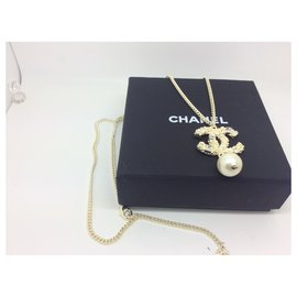 Chanel-Authentic Chanel Gold and Drop  Faux Pearl Pendant-Other