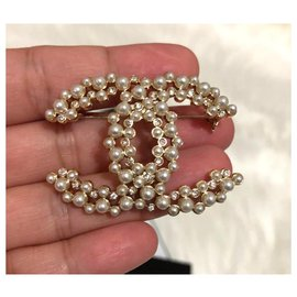 Chanel-Chanel Large Pearl Brooch pin-Golden