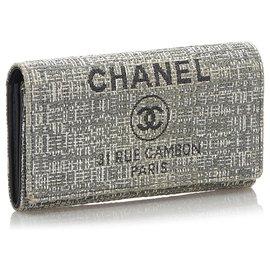 Chanel-Portefeuille long Chanel Gris Deauville-Blanc,Gris