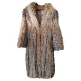 Yves Saint Laurent-Lynx Yves Saint Laurent coat.-Cream