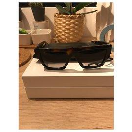 Céline-Sunglasses-Brown