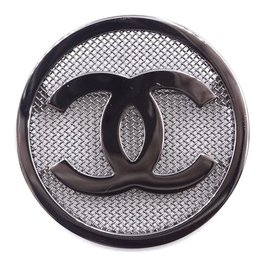 Chanel-Chanel CC Round Textured Hardware Brooch Sku#28334-Silvery