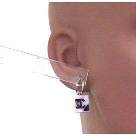 Chanel-Boucles d'oreilles CC Chanel CC Cambon-Blanc
