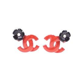 Chanel-Boucles d'oreilles en or et mini cristaux Chanel Chilli Red CC Flowers-Rouge
